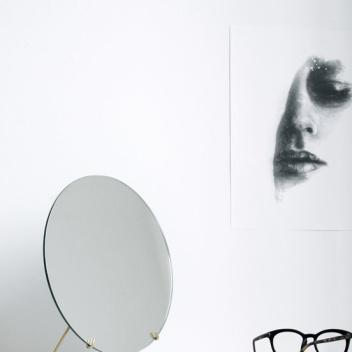 Lusterko kosmetyczne Standing Mirror 20 cm Mosiądz