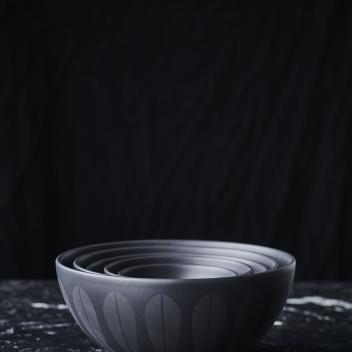 Misa z porcelany Lotus 24 cm Czarna Mat