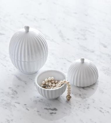 Bomboniera z porcelany Lyngby 11x8 cm Biała