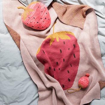 Kocyk dziecięcy truskawka FRUITICANA 80x100 STRAWBERRY Czerwono-Różowy