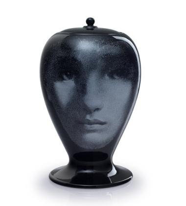 Waza z porcelany Al Buio Fornasetti Czarna