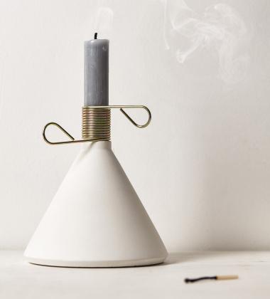 Świecznik z betonu CONIC Biały