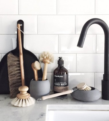 Drewniana szczotka do mycia naczyń DISH BRUSH EVERYDAY