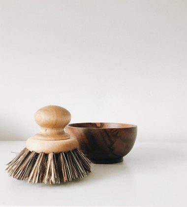 Drewniana szczotka do mycia garnków ROUND PAN BRUSH WITH MAPLE KNOB
