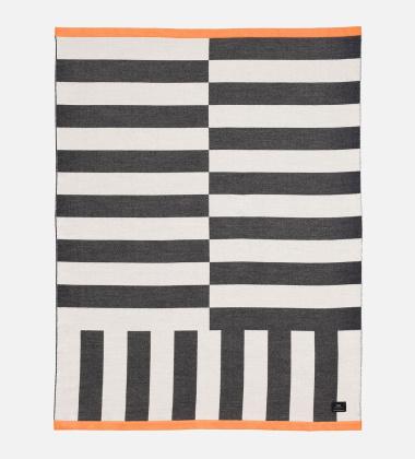 Koc Stripe 130x180 Czarno-Biało-Pomarańczowy