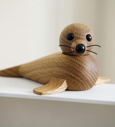 Drewniana foczka FEMALE SEAL 8,6x18,6 Dąb