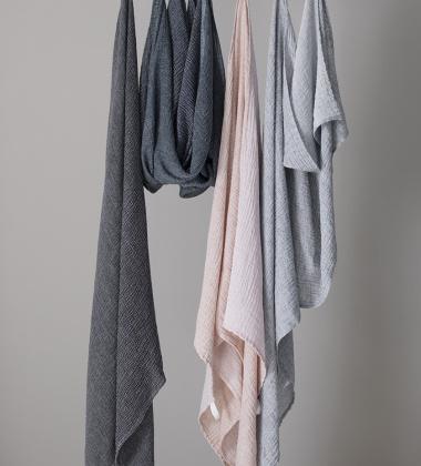 Ręcznik z gniecionego lnu NYYTTI 95x180 Cynamonowy