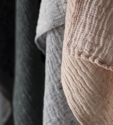 Ręcznik z gniecionego lnu NYYTTI 65x65 Cynamonowy
