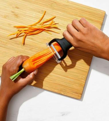 Obieraczka do warzyw dwufunkcyjna JULIENNE Good Grip by OXO