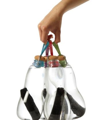Butelka szklana na wodę z filtrem z węgla białego EAU GOOD 800 ml Czerwona