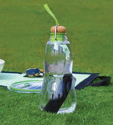 Butelka szklana na wodę z filtrem z węgla białego EAU GOOD 800 ml Oliwkowa