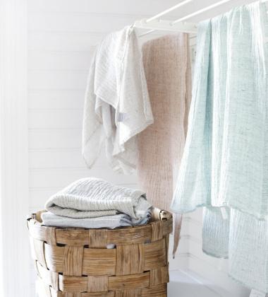 Ręcznik z gniecionego lnu NYYTTI 65x130 Biały