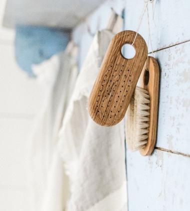 Drewniana szczotka do ciała SOFT BODY BATH BRUSH LOVISA