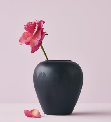 Wazon z porcelany Lotus 17 cm Black Matt